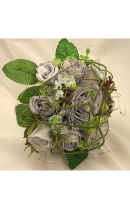 Bouquet sposa rose  grigio perla con ramoscelli e fogliame