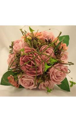 Bouquet sposa rose mix con ramoscelli e fogliame