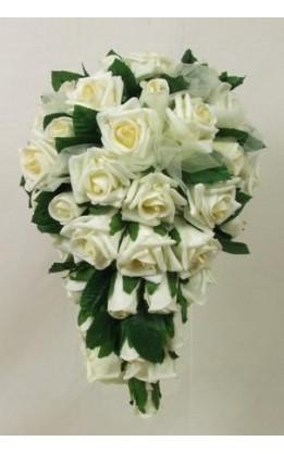 Bouquet sposa a goccia rose e organza