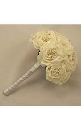 Bouquet sposa rose selvatiche avorio