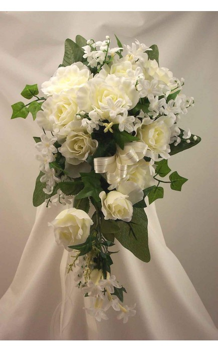 Bouquet A Goccia Sposa.Bouquet Sposa A Goccia Rose E Fiori Mix