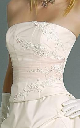 abito da sposa V2080