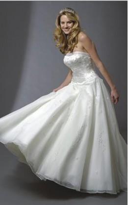 abito da sposa V3027